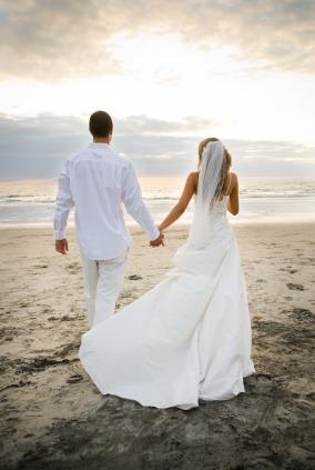 iStock_000004386100XSmall-wedding_couple[1]